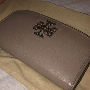 Tory Burch Zip Around Wallet